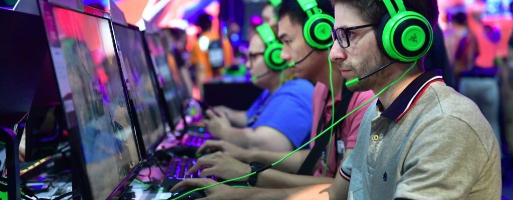 Making Money as a Gamer – A Genuine Career Opportunity or a Farce?